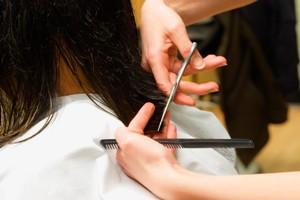 Acconciatori, barbieri, parrucchieri